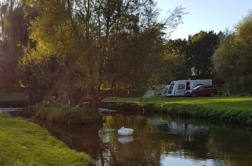 Campsites open all year round in Nottinghamshire and Derbyshire